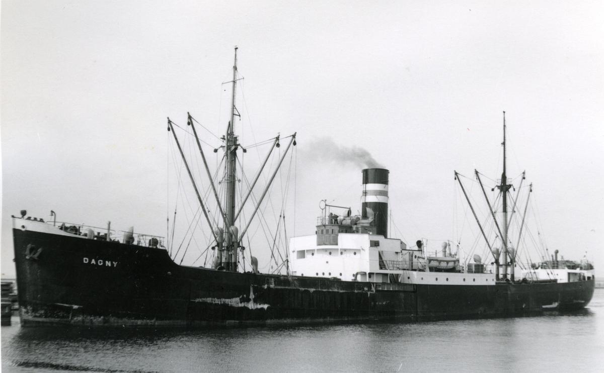 Ägare:/1951-67/: Rederi AB Sally. Hemort: Mariehamn.