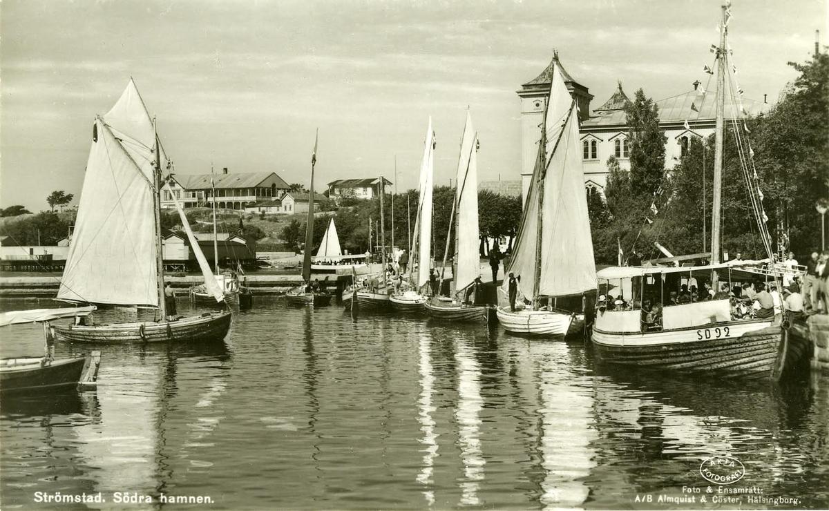 Södra hamnen i Strömstad.I förgr. Motorkuttern och passagerarfartyget ARGO--SD 92. Fartyget kallas i SE.jakt..