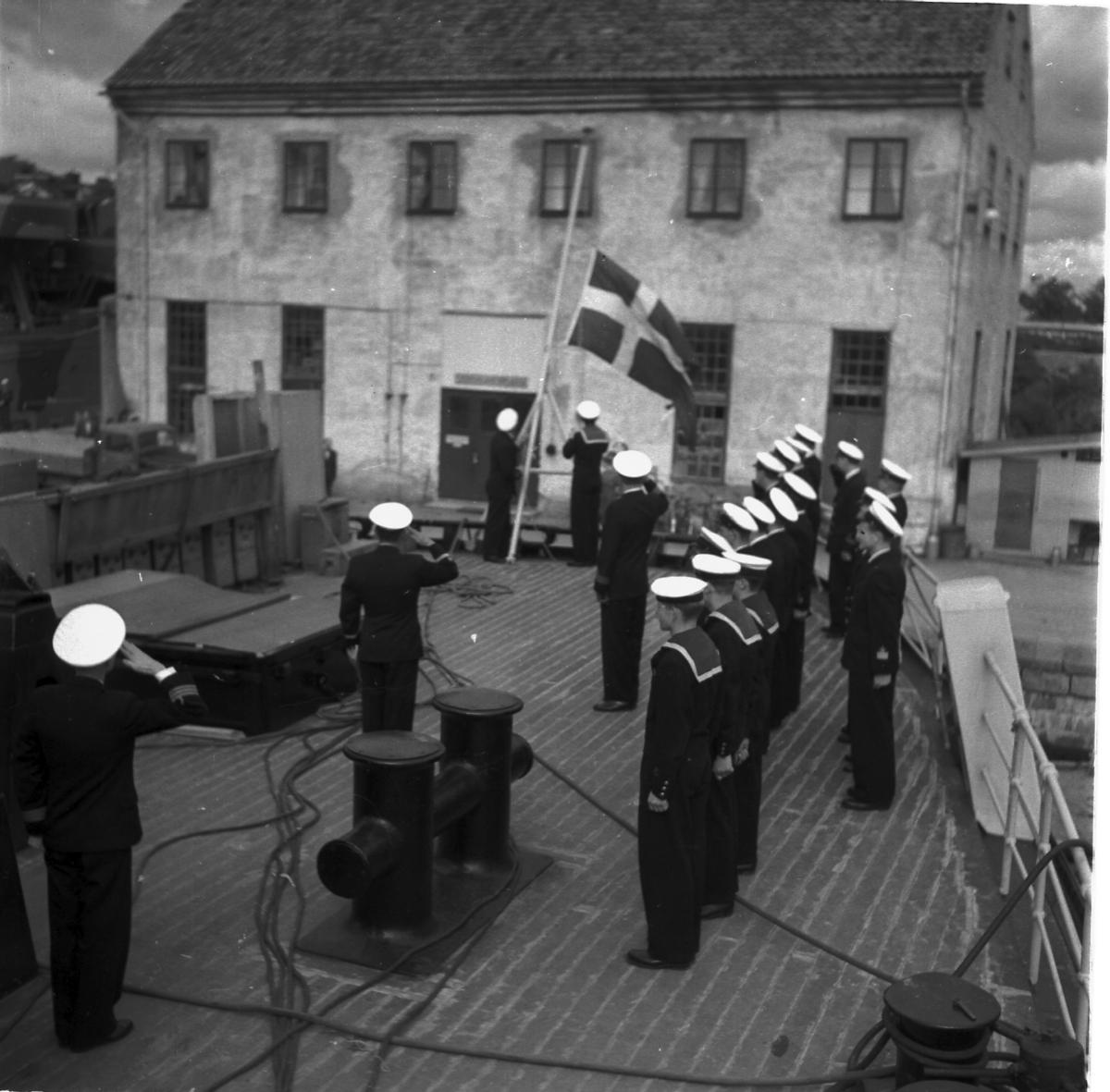 Fartyg: THULE                           Övrigt: Isbrytaren Thule, påmönstring