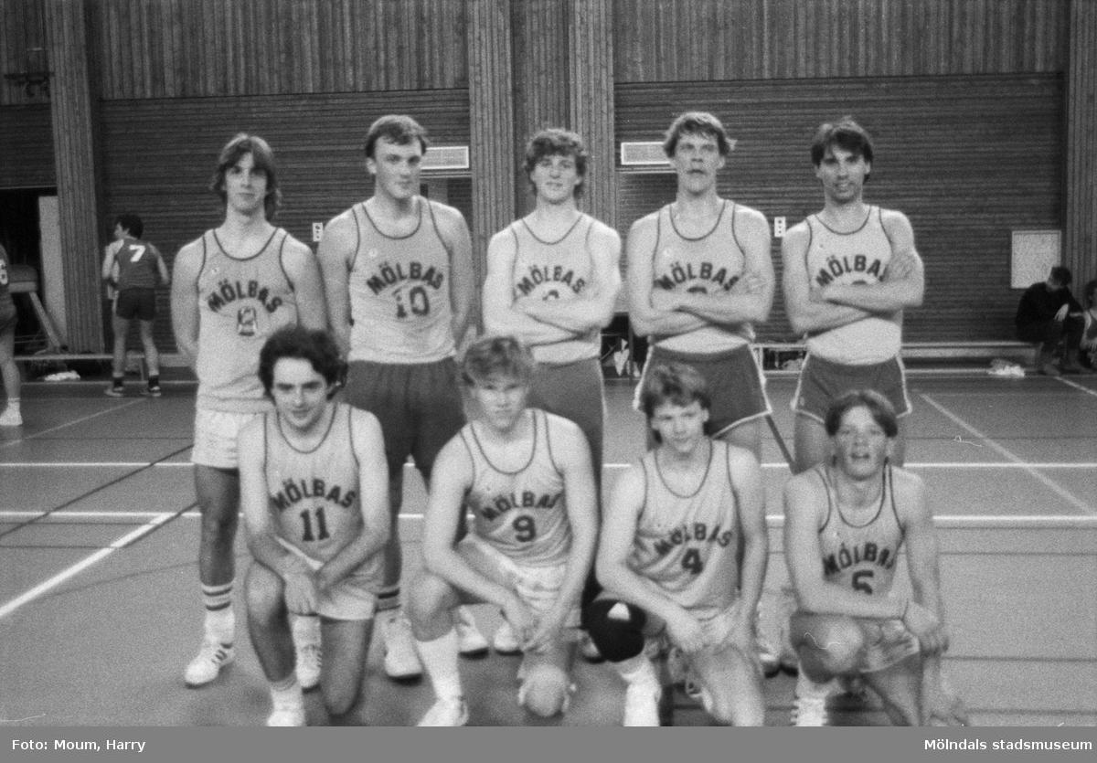 Basketlag i Ekenhallen i Kållered, år 1985.  För mer information om bilden se under tilläggsinformation.