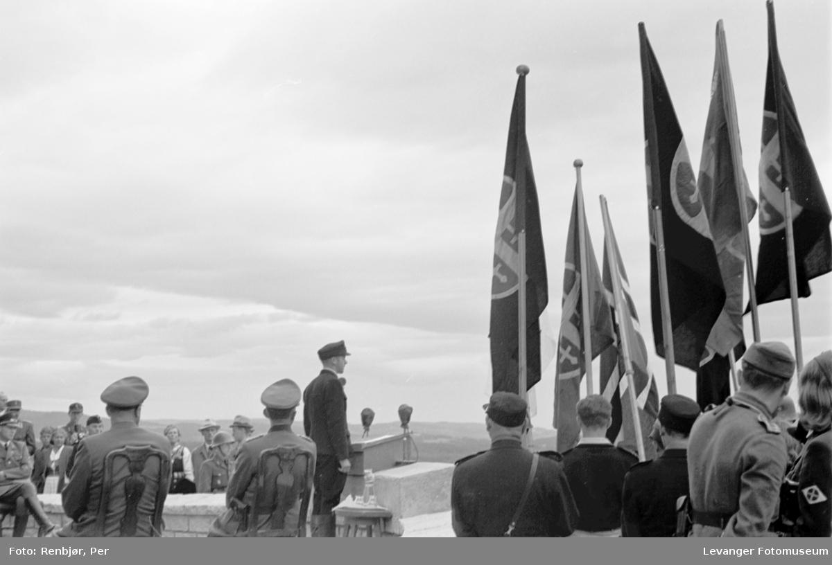 Flaggborg og hird, Fra Nasjonal Samlings stevne, riksmøte, på Stiklestad 1944.