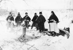 Rast på fjellet 1911. Biskop Dietrichson, Prost Opdal og Sok