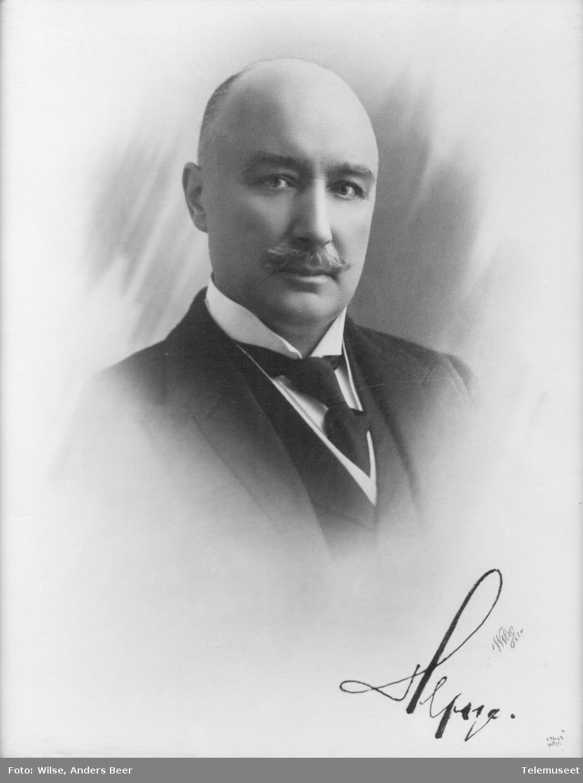 Heftye, Thomas Thomassen