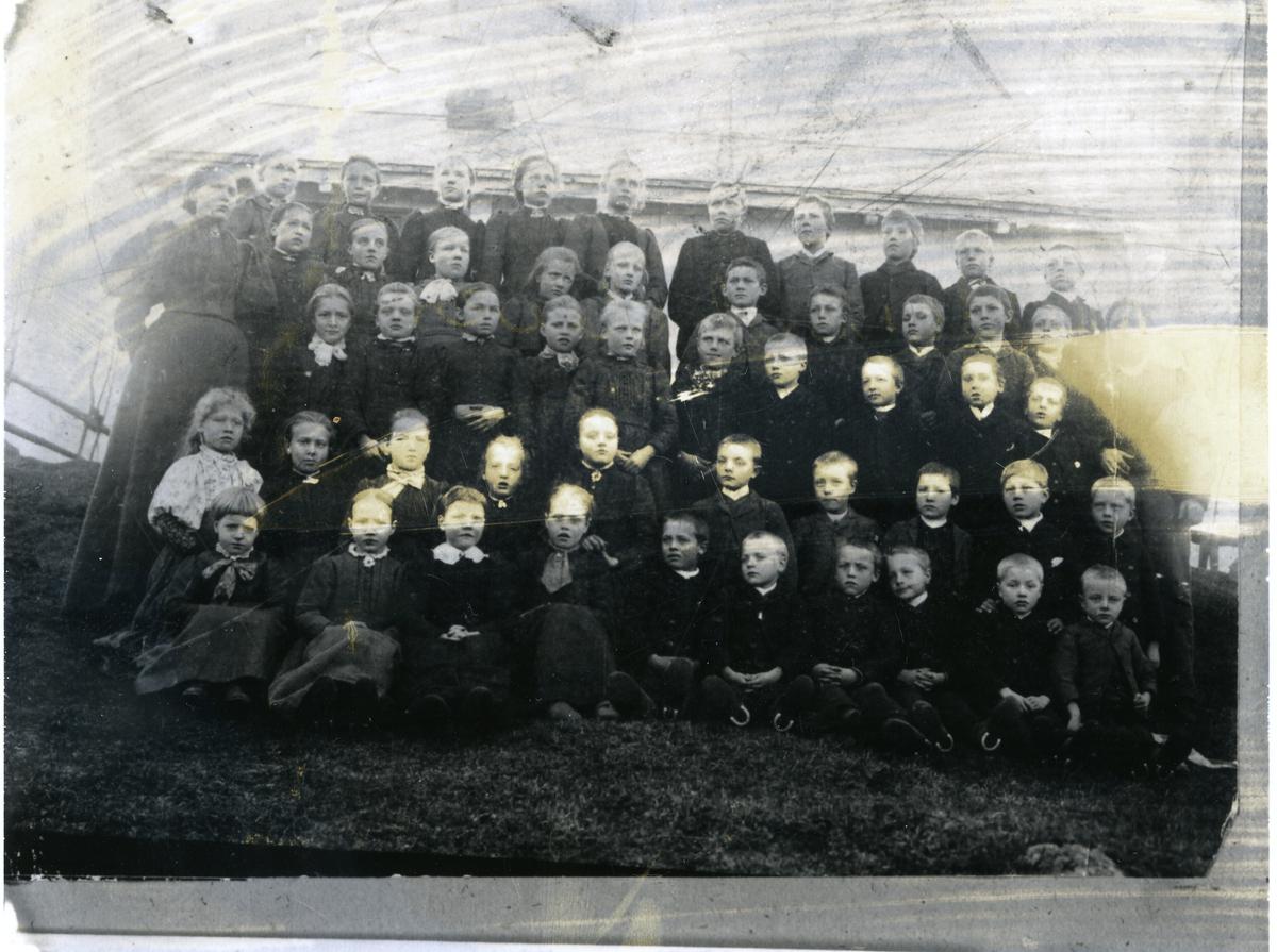Skuleklasse ved Kattevold skule i Vang