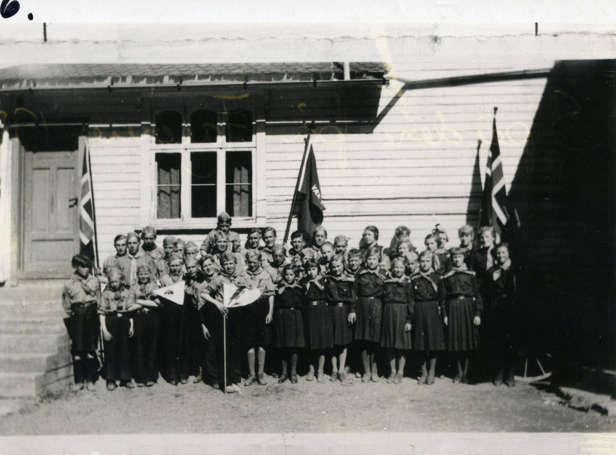 Gruppebilde av speidere på Fagernes, 1930