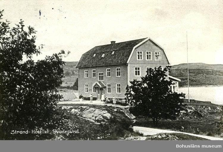 "Text på kortet: ""Strand-Hotellet, Svanesund""."