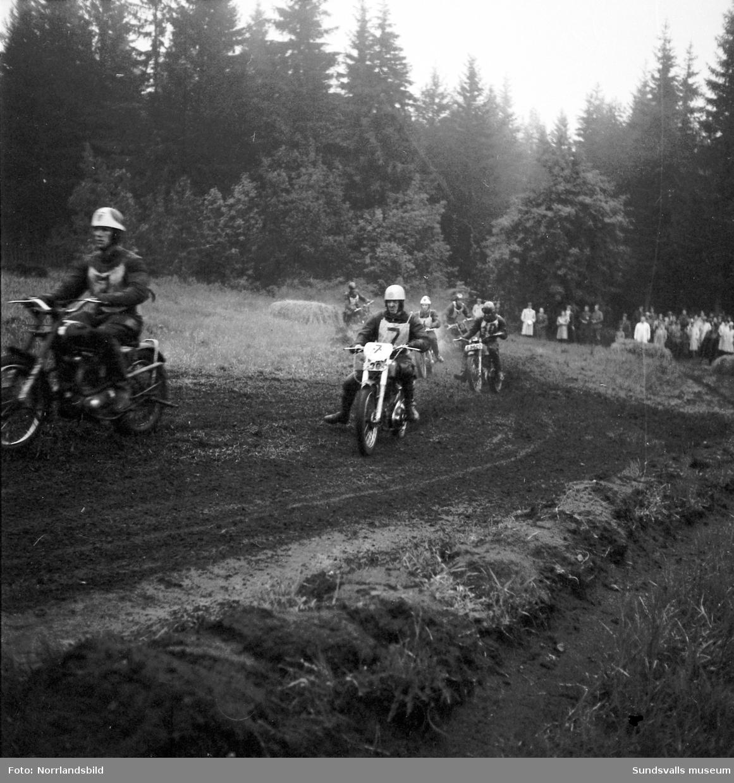 Motocrosstävlingar vid Kubikenborg.