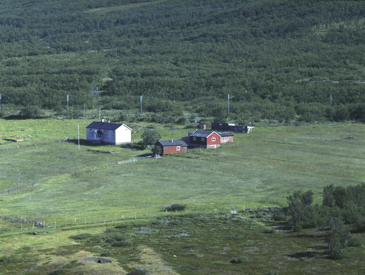 Flyfoto fra Lebesby. Negativ nr. 122702.