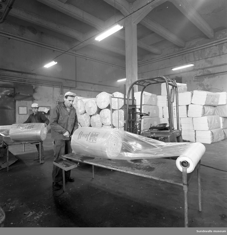Bilder från Gullfibertillverkning vid Gullhögen i Söråker.