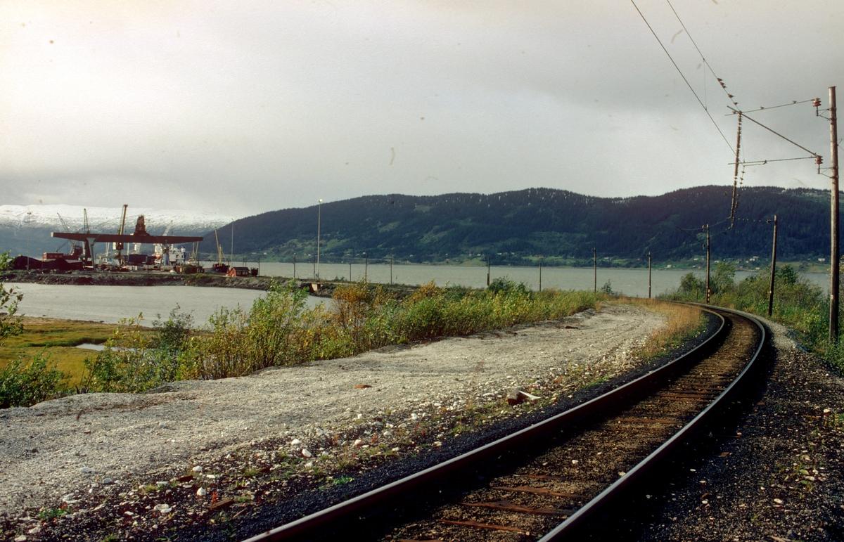 Jernverksbanen Mo i Rana. Norsk Jernverks elektriske jernbane mellom verket og Jernverkets havn.