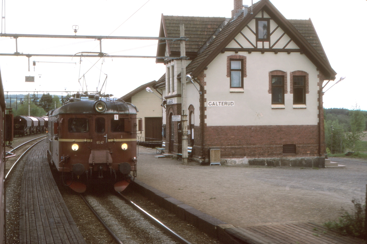 Lokaltog Årnes - Kongsvinger på Galterud stasjon.