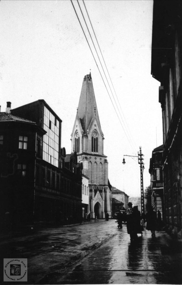 Krigsminne, domkirken Kristiansand beskutt.