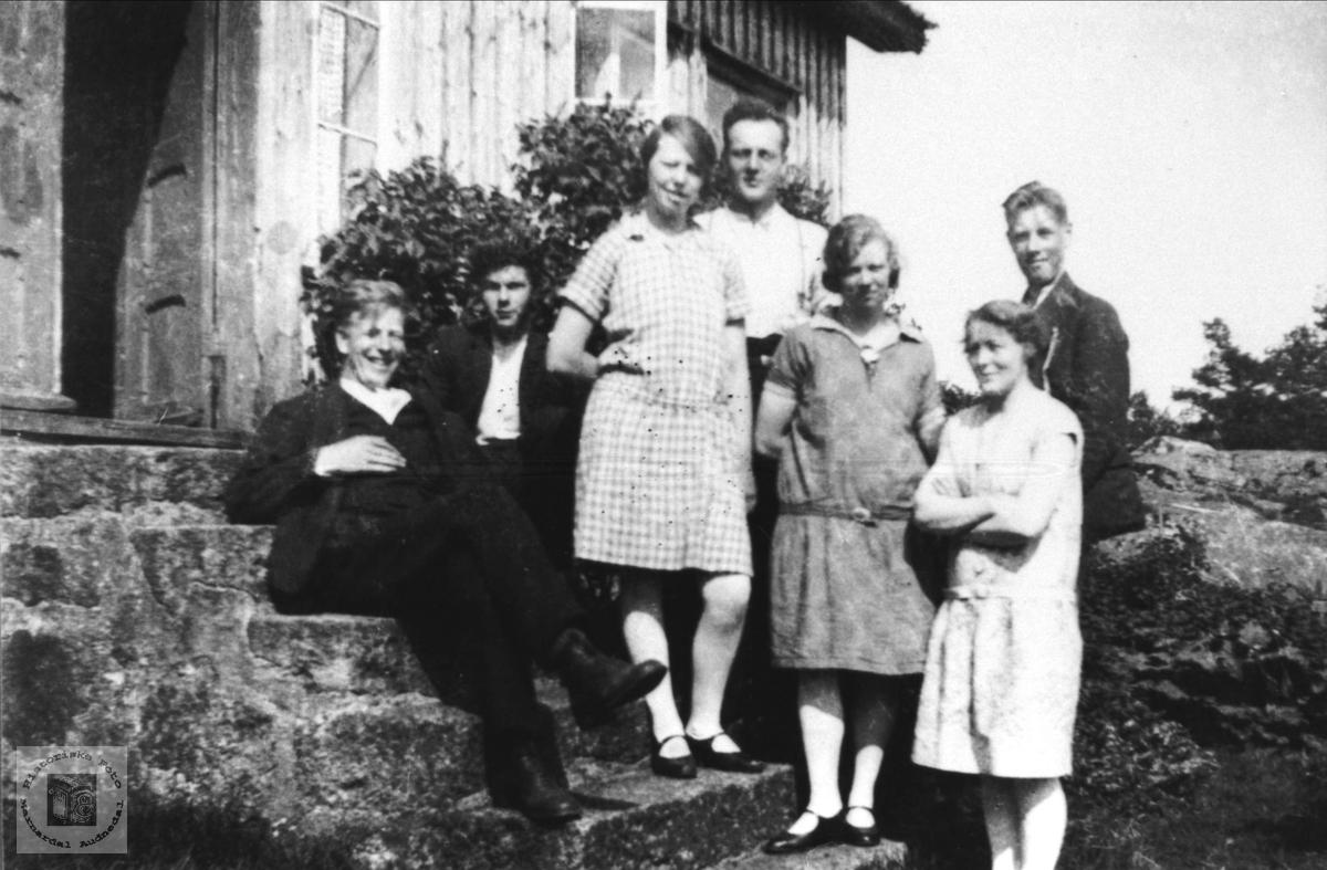 Gruppe på Bjørnestøl