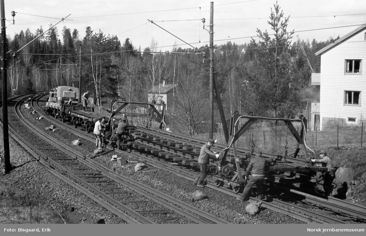 Skinnelegging ved Langhus, mellom dagens Vevelstad holdeplass og Oppegård stasjon
