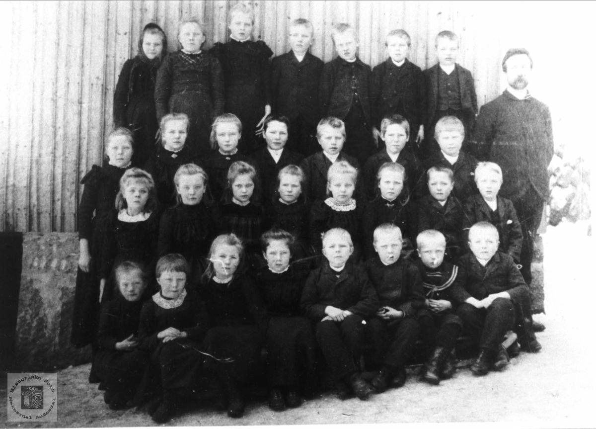 Brusletta skule ca 1900