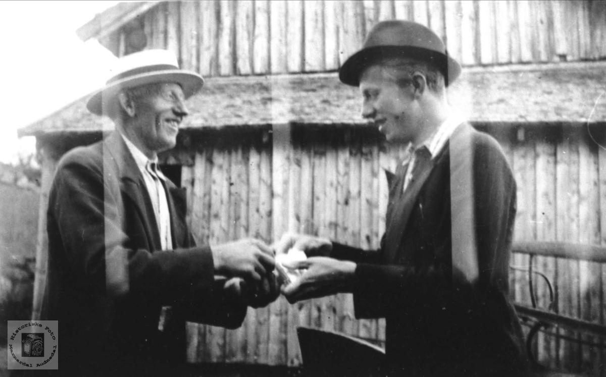 Venner. John Tisland og Jon Ulv Homme.