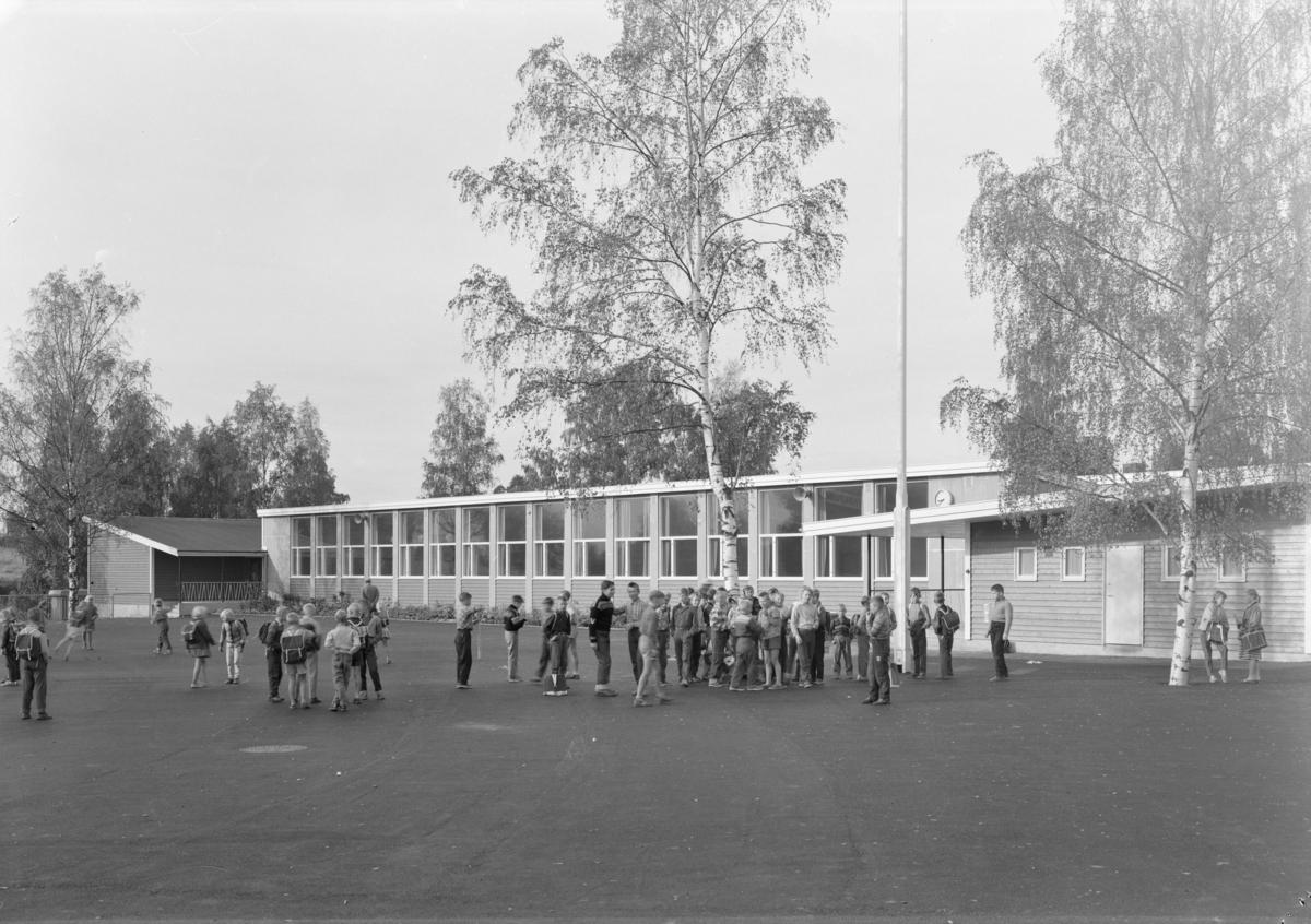 Friminutt i skolegården på Veitvet skole.