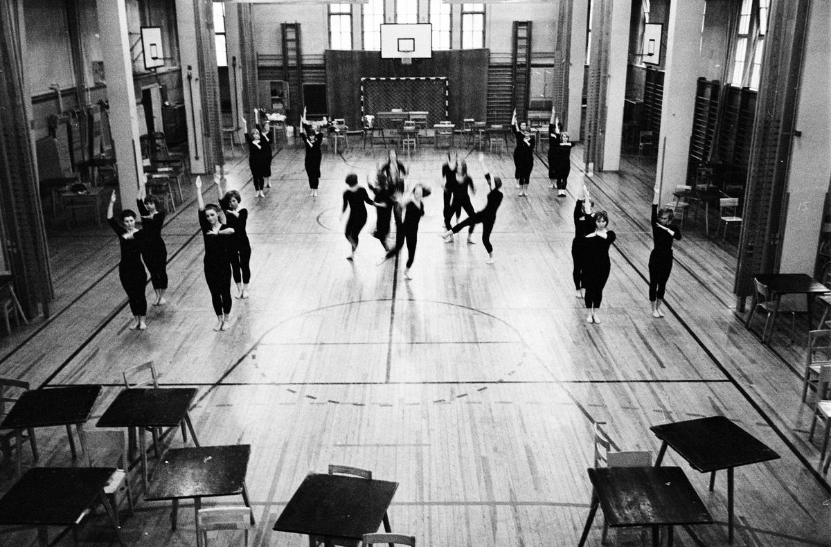 Katedralskolan - gymnastik, Uppsala, mars 1966