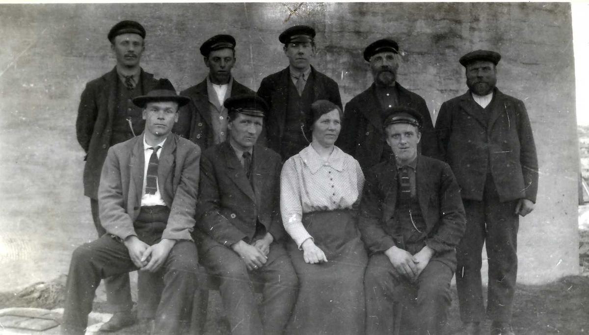 """Båtmannskap. """"Fra Gjersingan 1925"""""""