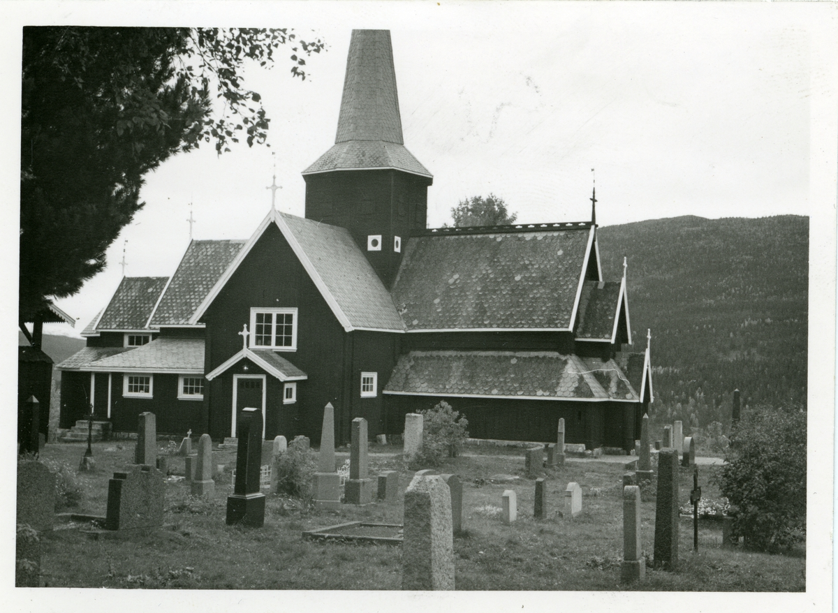 Hedalen stavkirke, Sør-Aurdal i Valdres. Stavkirken er fra ca 1163.