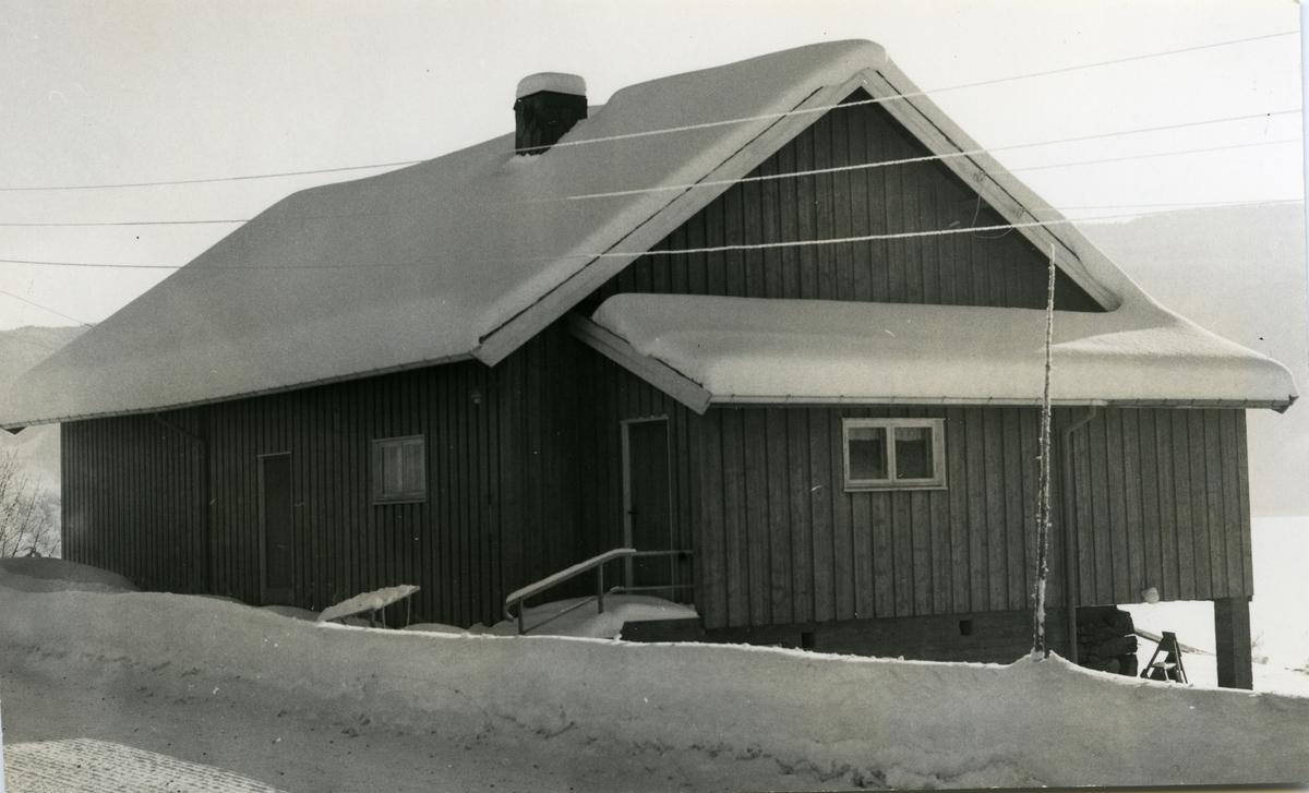 Strand bedehus i Nord-Aurdal kommune i Valdres. Bedehuset ble pusset opp i 1956.