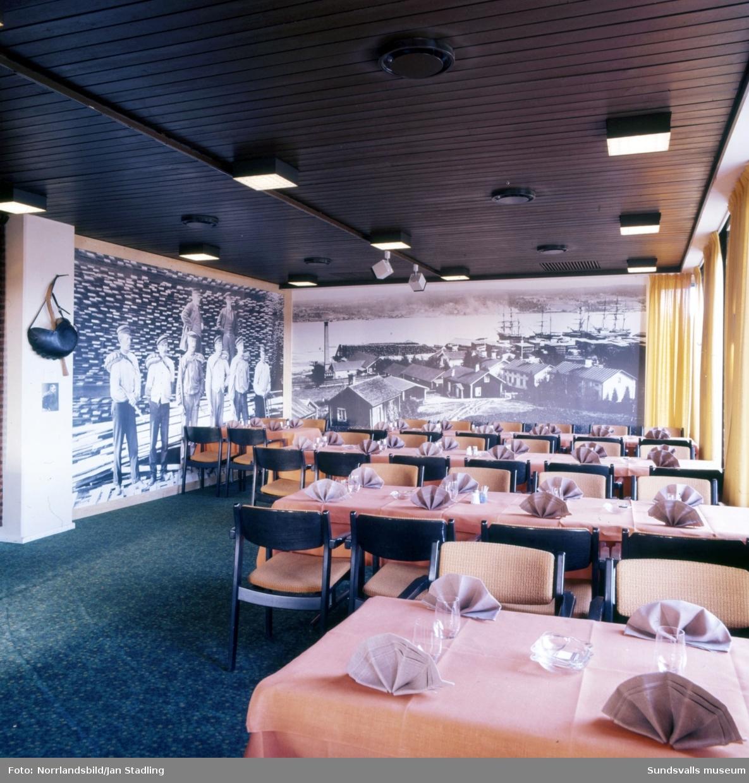 Esso Motor Hotell i Bydalen. Interiörbilder från matsalen.