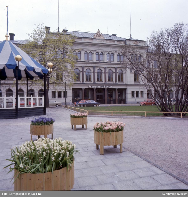Exteriörbilder av Sundsvallsbanken vid Vängåvan.