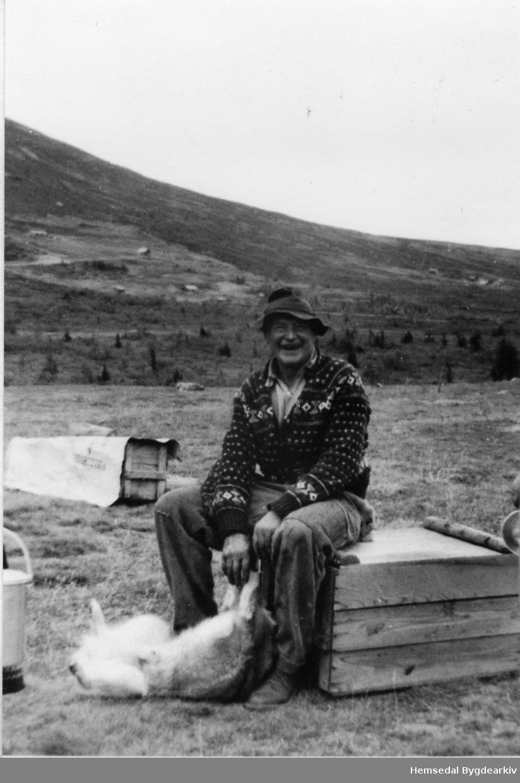 Ola K. Grøthe på Grøthestølen i Hemsedal i 1959.