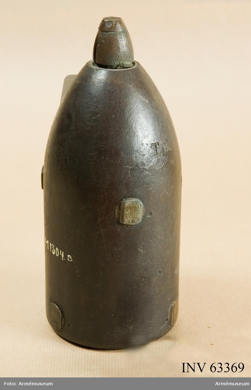 Grupp F II. 10 cm granat m/1868 med lätt nedslagsrör m/1864. Till framladdningskanon.