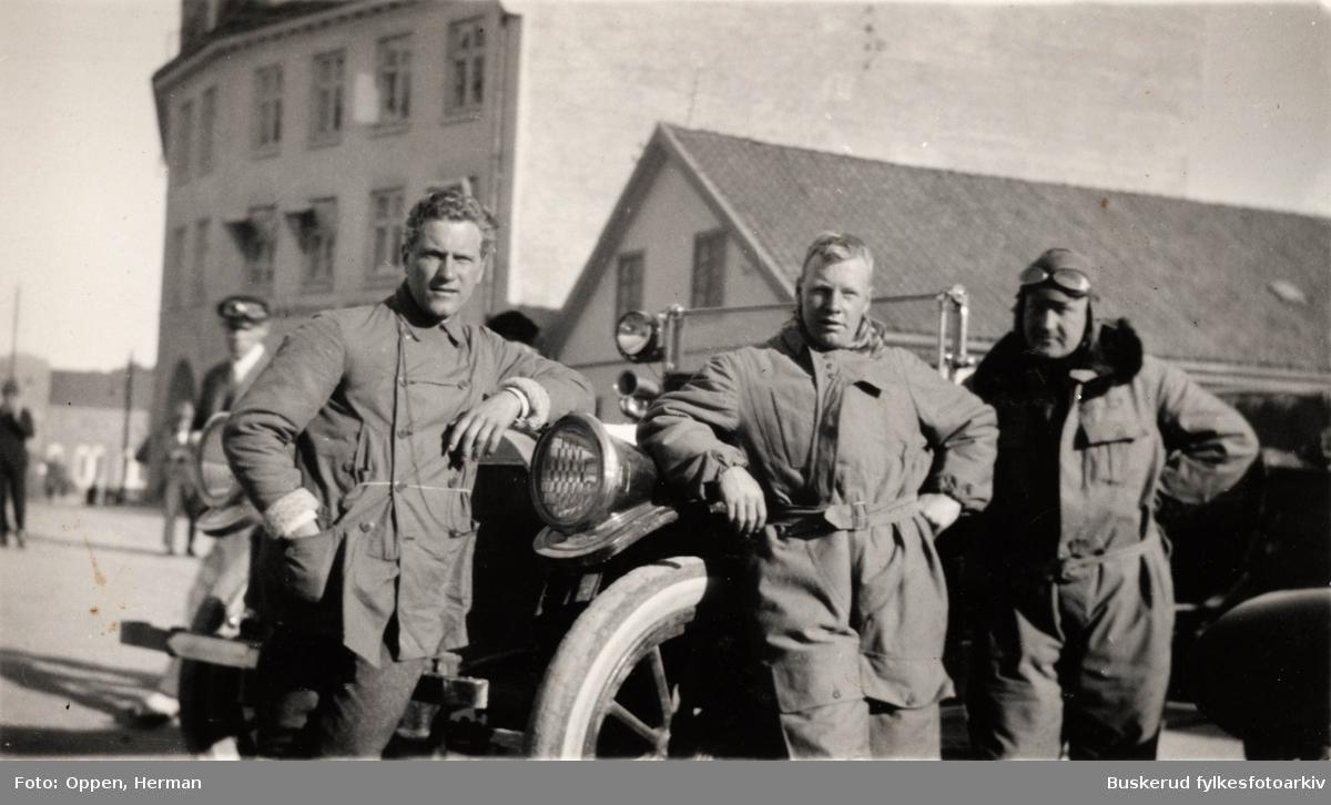KNA-løpet i 1921 Rast i Hønefoss. Nils Agerup, Herman Oppen, Halvor Lofthus