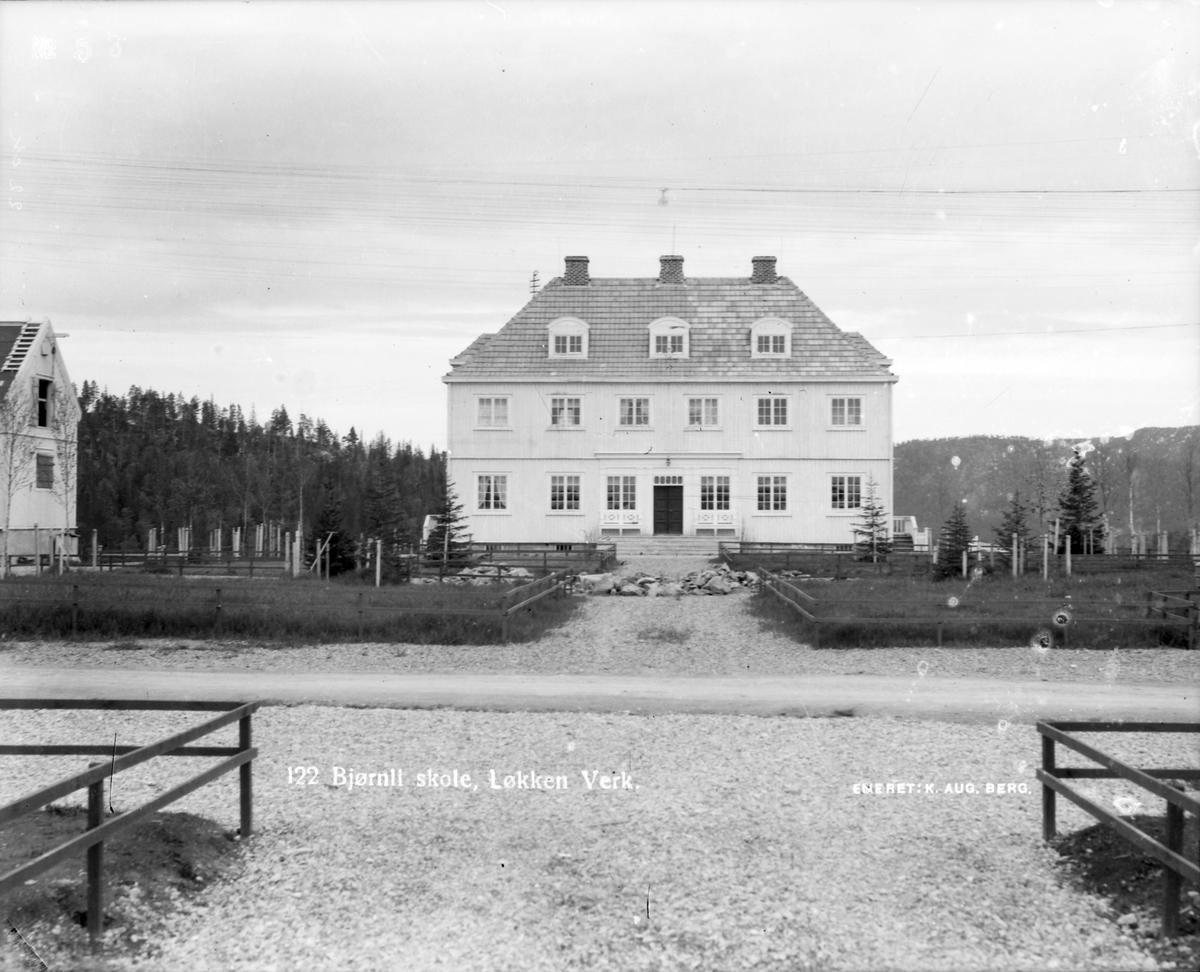 Bjørnli skole på Torvet, Bjørnli.