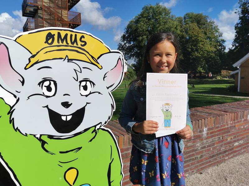 Kamille Raulynaite mottar premie for BMS (Foto/Photo)