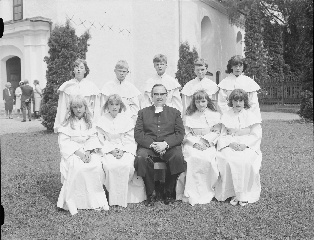 Konfirmander, Hargs kyrka, Uppland 1966
