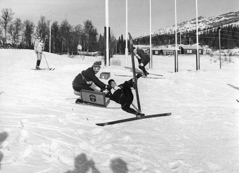 Vidar Sandbeck og Dagfinn Grønoset på Skjæringfjell, februar 1972. Foto/Photo