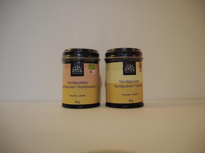 Vaniljesukker kr 40,-  Vaniljepulver kr 135,- (Foto/Photo)
