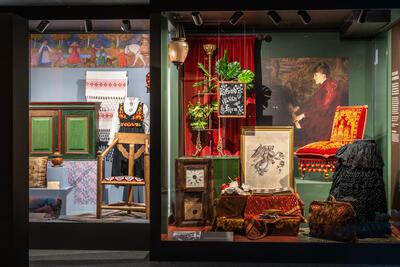 To ulike ideer om hjem, fra utstillingen HJEMLAND (Foto/Photo)