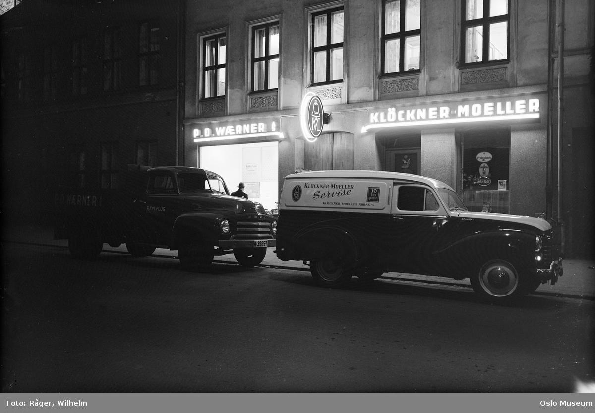 forretningsgård, fasade, firma P.D. Wærner, Klückner-Moeller, Opel Blitz lastebil, Austin varebil