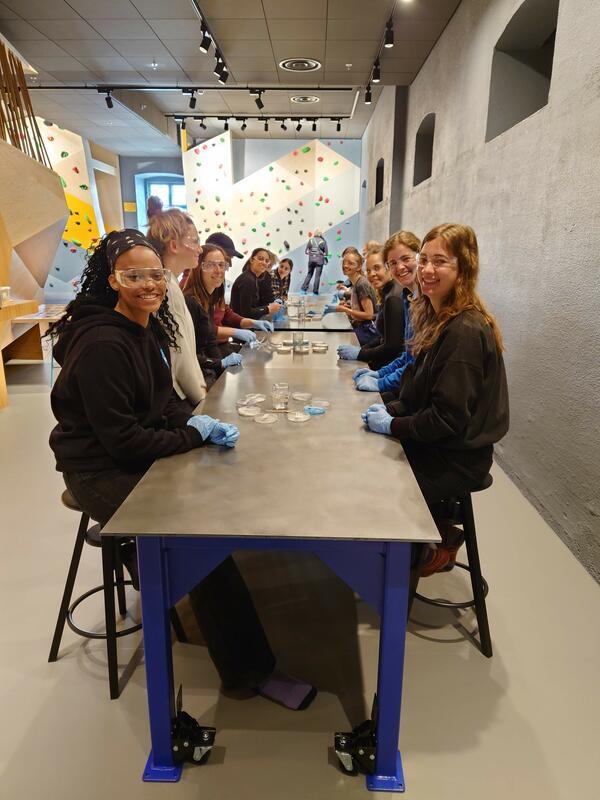 Lærerstudenter fra USN på besøk i Geolaben (Foto/Photo)