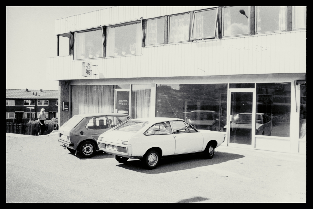 eksteriør, postkontor, 4004 Dusavik, postkasse, biler