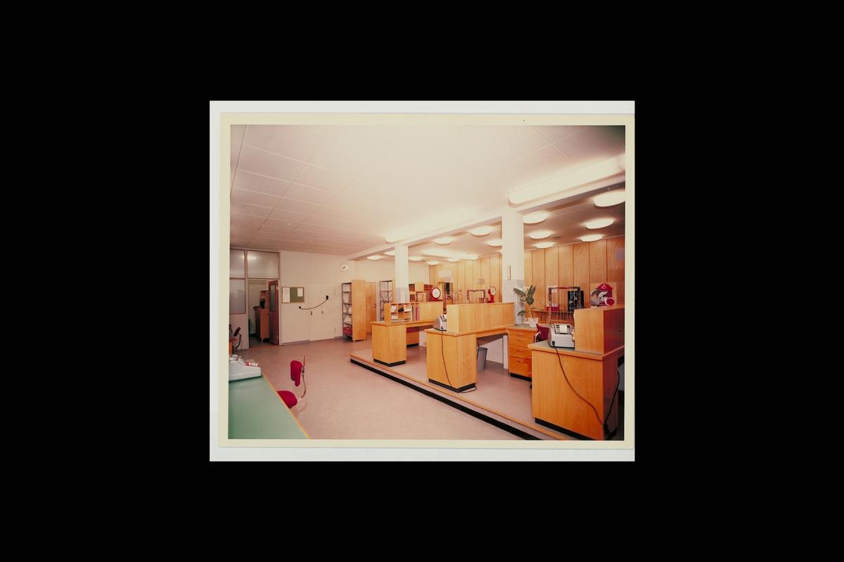 interiør, postkontor, 3770 Kragerø, ekspedisjon, regnemaskin