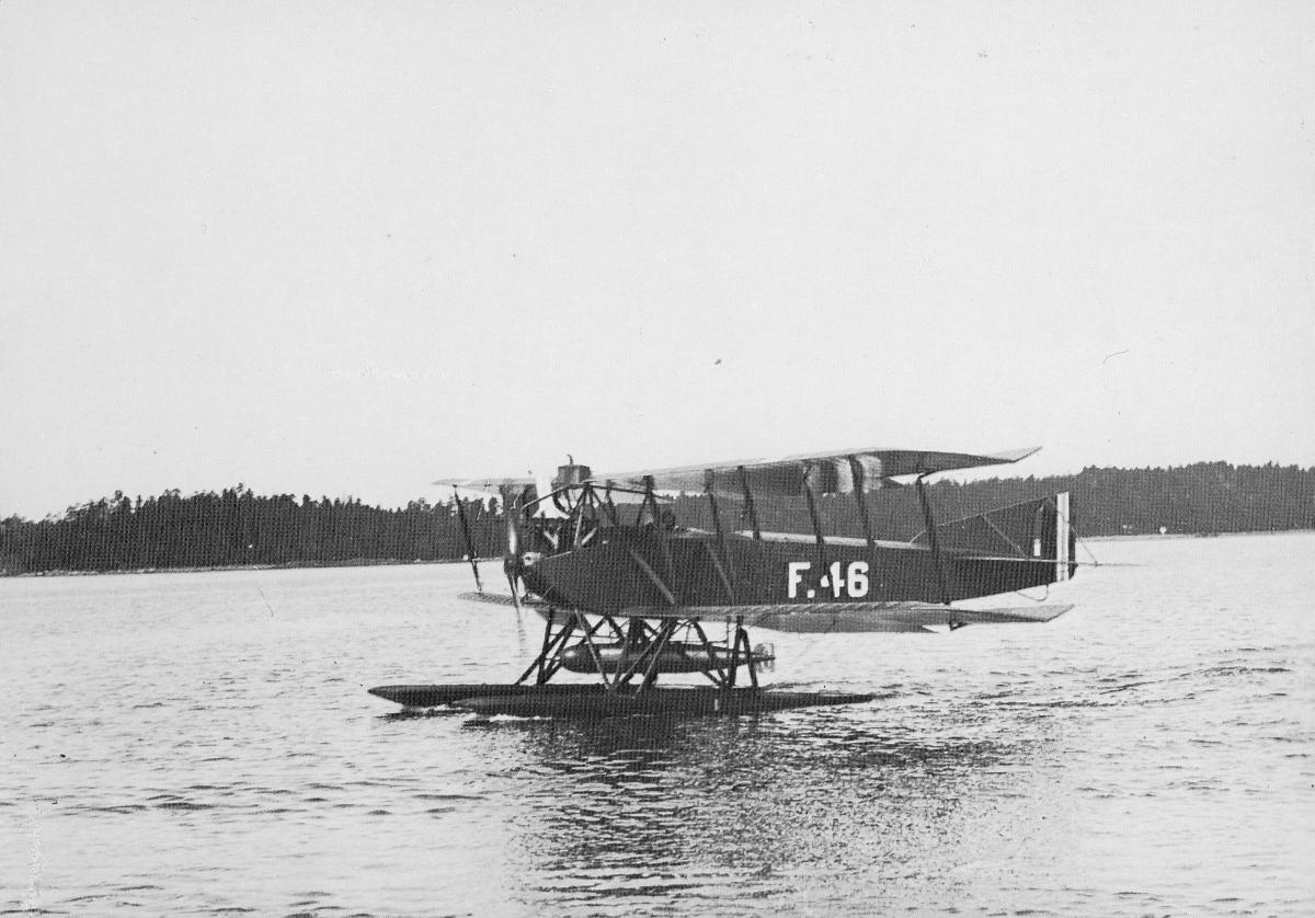 transport, fly, eksteriør, sjøfly, på vann, Lubeck-Travmunde, Horten-Kristiania-Horten-Arendal-Kristiansand