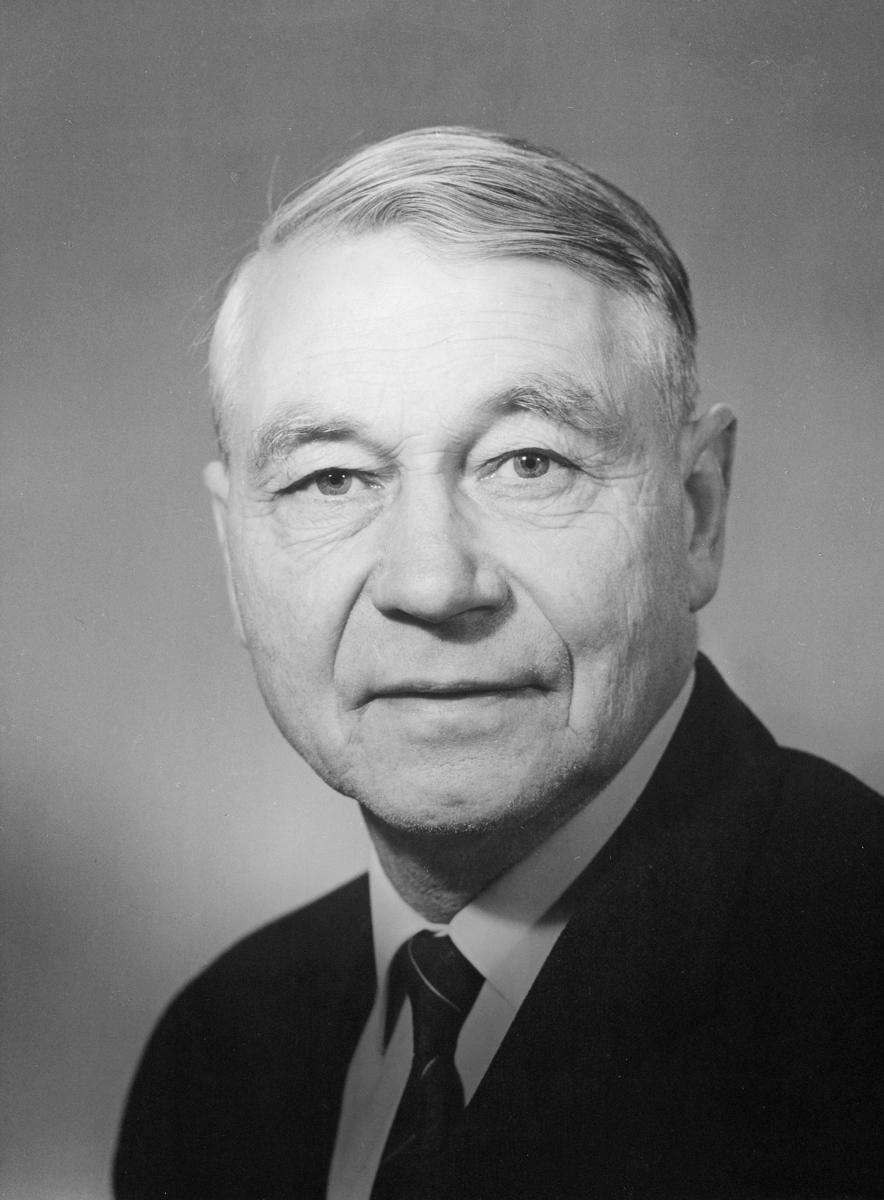 portrett, styreformann Trond H. Wirstad, Styret for Postverket, 1969-1973