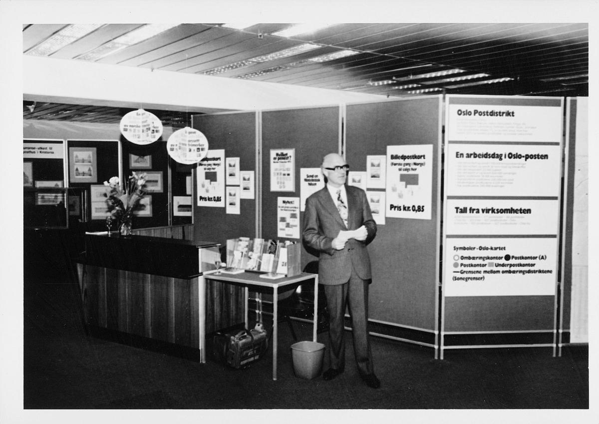markedsseksjonen, Oslo postgård 50 år, utstilling, mann, byhistorie, informasjon