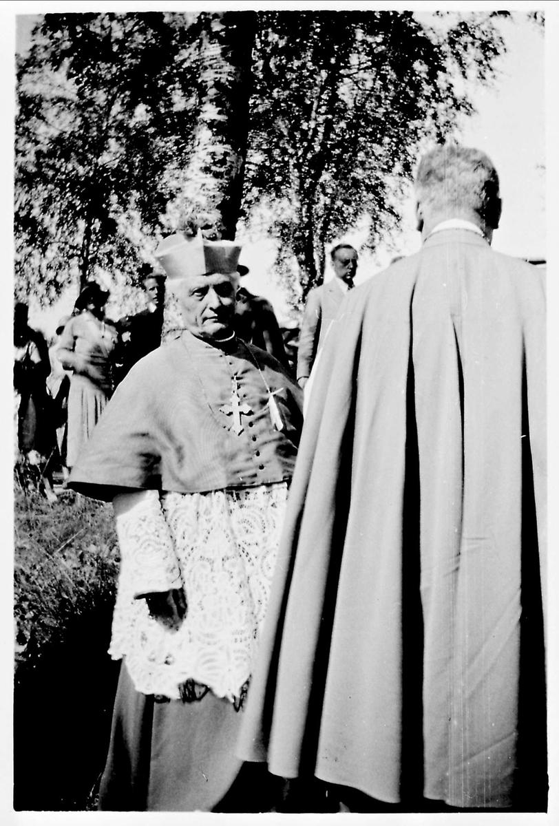 Prest, olsok, biskop