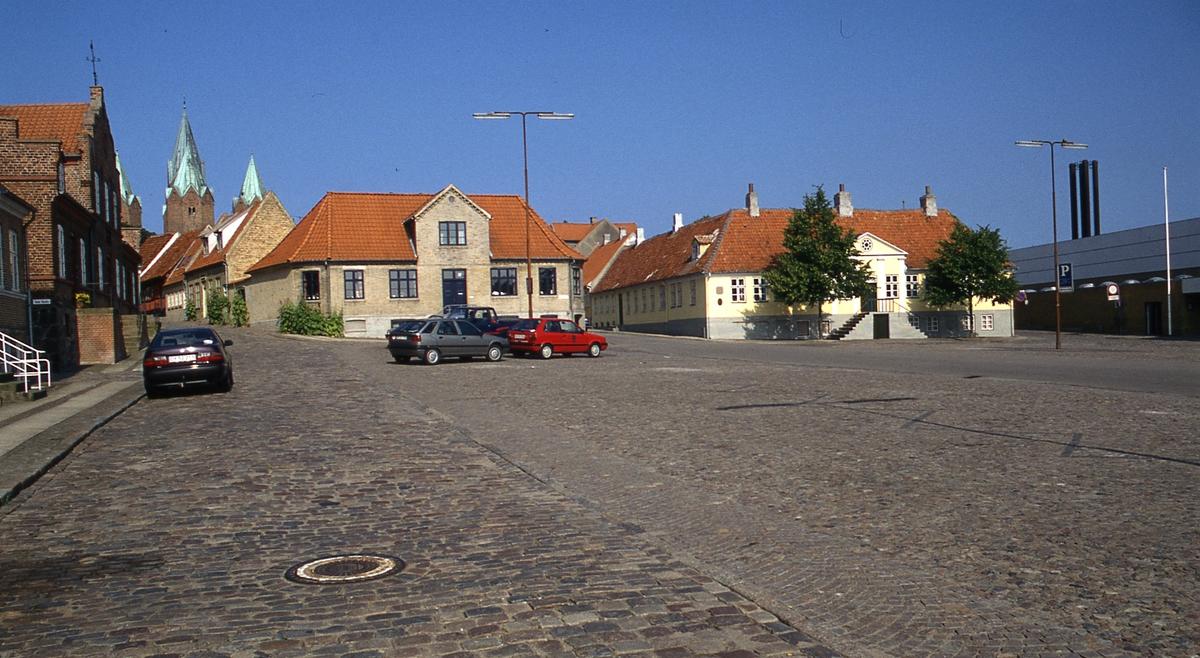 DOK:1995, Kalundborg, Gythgården, torget,