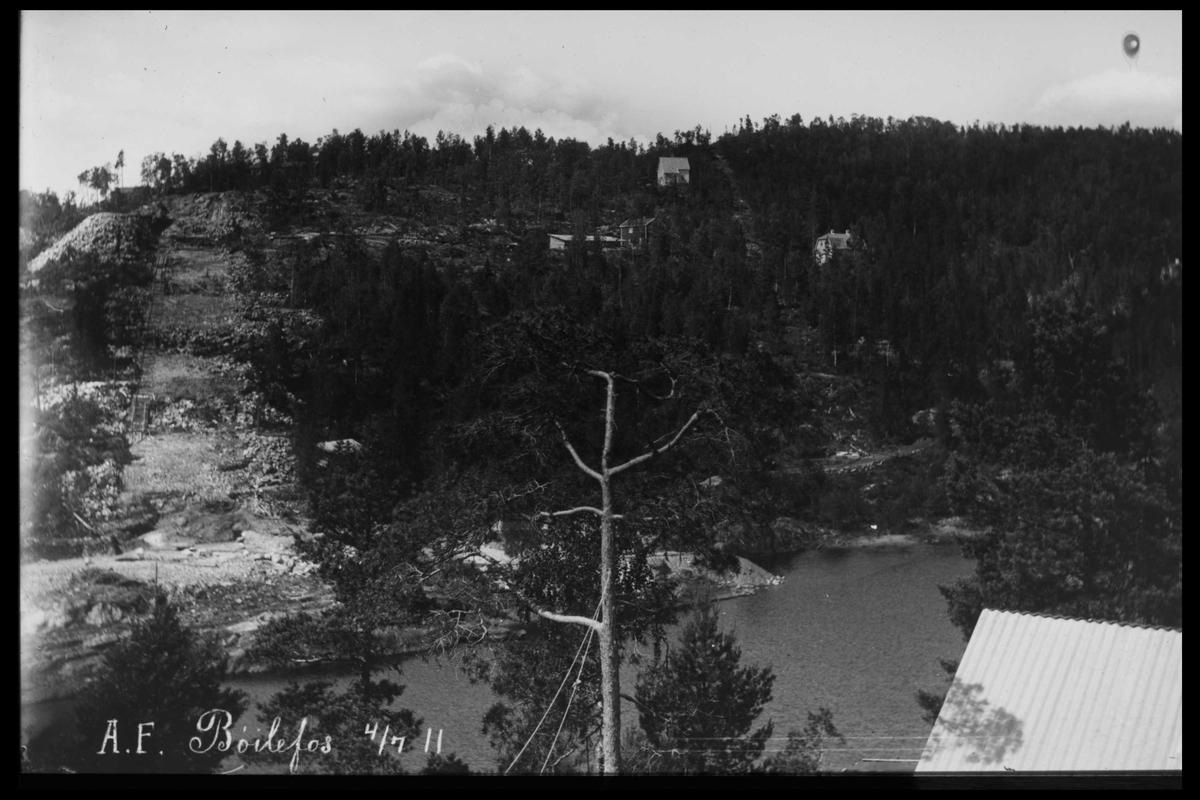 Arendal Fossekompani i begynnelsen av 1900-tallet CD merket 0470, Bilde: 1 Sted: Bøylefoss Beskrivelse: Anleggsområdet til Bøylefoss kraftstasjon