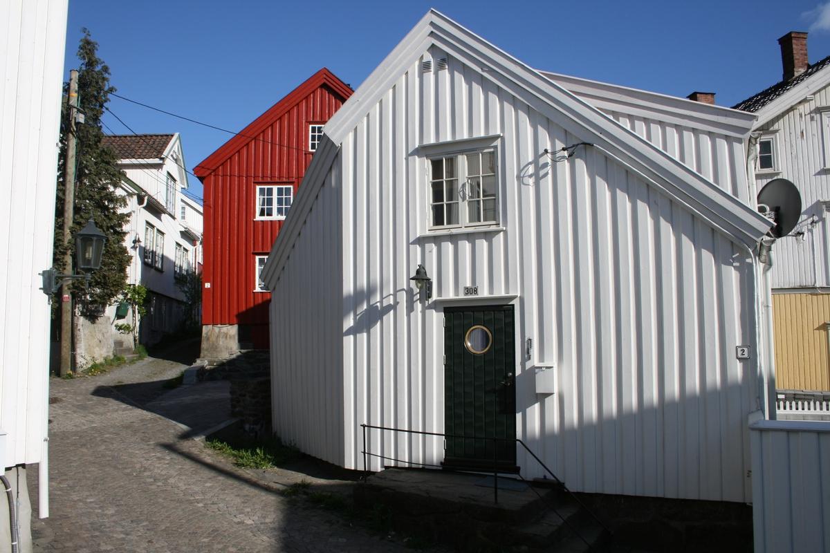 Fra strandstedet Barbu, lite bolighus på hjørnet mellom Hulveien og Lykkensborgveien. Matr. nr. 308 under Nedre Barbugård.