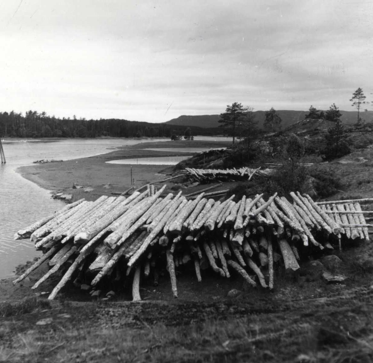 Åmlibilder Tømmer ved Nidellva 1951, Høgefoss