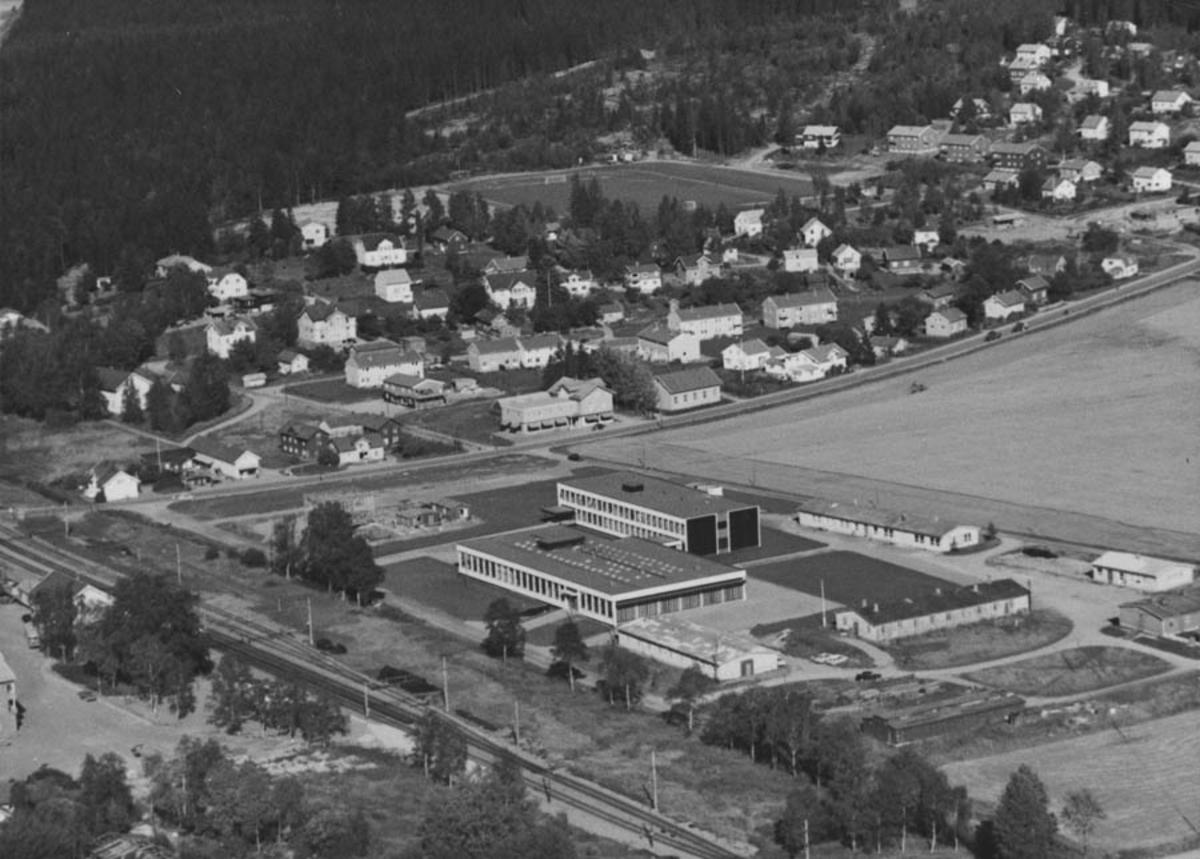 Follo videregående skole, tidligere Follo yrkesskole.