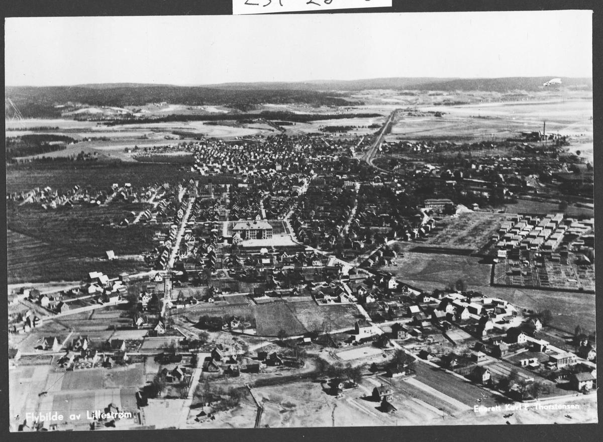 Flyfoto av Lillestrøm.